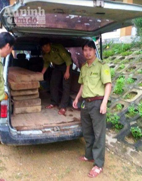 Bi phat hien cho go lau, lam tac quay sang chong doi, chui boi kiem lam - Anh 1