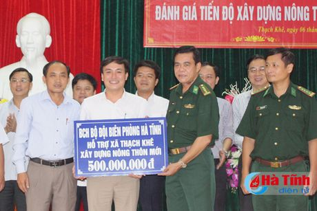 BDBP Ha Tinh ho tro xa Thach Khe 500 trieu xay dung NTM - Anh 1
