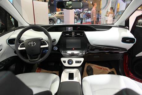 Toyota Prius hybrid 2016 co mat tai Ha Noi - Anh 2