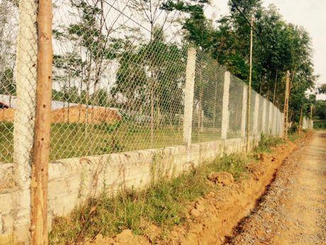 Ba Vi (Ha Noi): Cong trinh hang tram m2 xay dung tren dat nong nghiep, UBND xa Cam Thuong xu ly tren giay - Anh 2