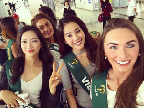 Nam Em noi bat khi do sac cung dan thi sinh Miss Earth 2016 - Anh 1