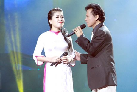 Anh Tho trai long khi bi 'nem da' hat bolero voi Che Linh - Anh 1