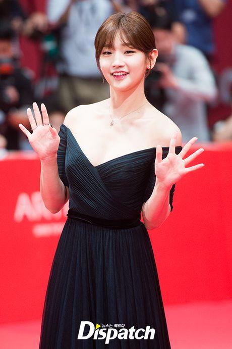 Isaac lich lam giua tham do lien hoan phim Busan - Anh 13