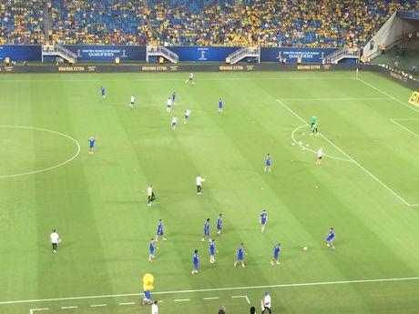 Neymar toa sang va do mau o chien thang 5-0 cua Brazil - Anh 12