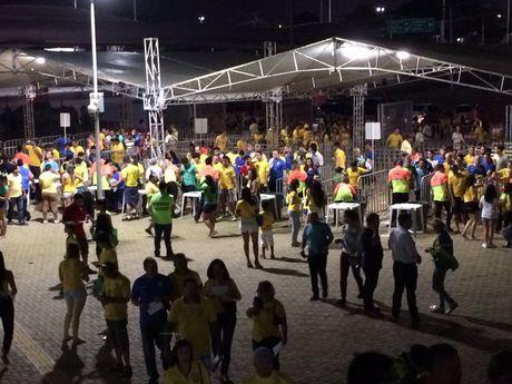 Neymar toa sang va do mau o chien thang 5-0 cua Brazil - Anh 4