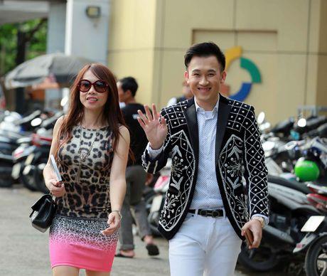 Em gai Hoai Linh ve nuoc xem Duong Trieu Vu lam giam khao - Anh 3