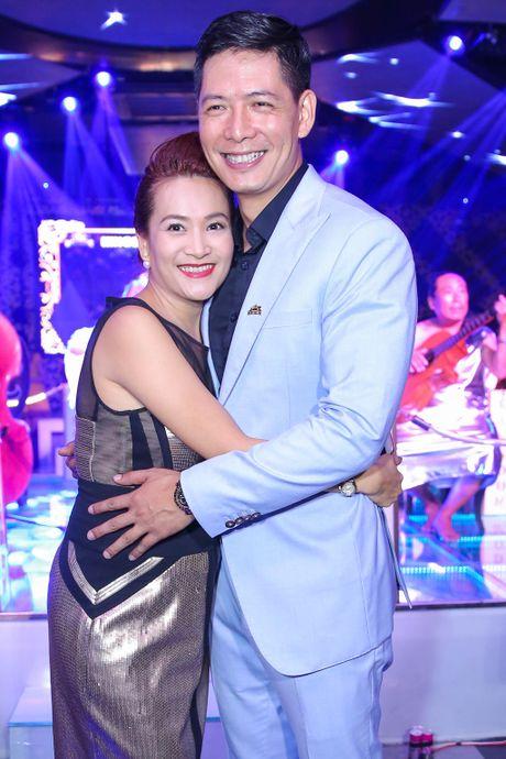 Dan sao Viet mac don gian toi chuc mung Nguyen Hong Thuan - Anh 2