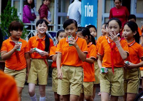 Vinamilk dong hanh voi chuong trinh Sua hoc duong - Anh 6
