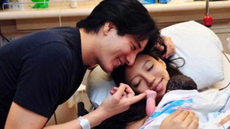 Vo Vuong Luc Hoanh da sinh con gai thu 2 - Anh 1