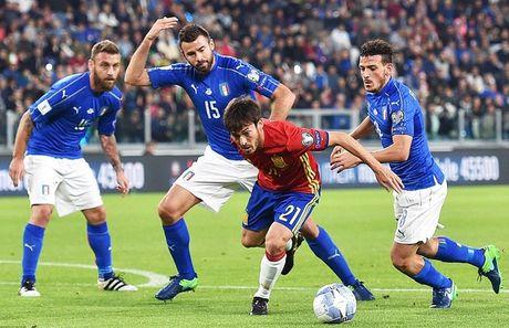 Tay Ban Nha danh roi chien thang truoc Italia - Anh 3