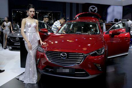 Chan dai khoe dang, sieu xe do sang chanh - Anh 12