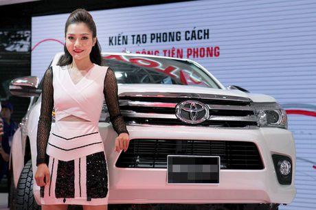 Chan dai khoe dang, sieu xe do sang chanh - Anh 6
