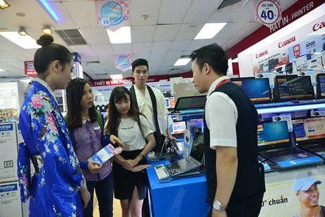 No nuc mua sam hang Nhat tai Nguyen Kim - Anh 2