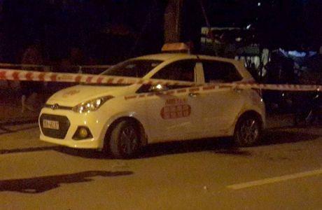 Can canh bat nghi pham 9x cua co tai xe taxi trong dem o Ha Noi - Anh 1