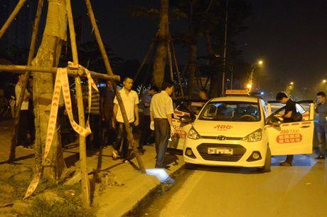 Can canh bat nghi pham 9x cua co tai xe taxi trong dem o Ha Noi - Anh 2