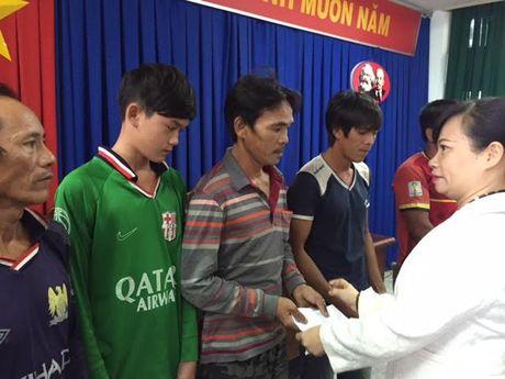 Ba Ria-Vung Tau tiep nhan 15 ngu dan bi nan tren vung bien Hoang Sa - Anh 2
