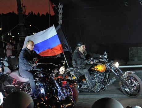 Nhung khoanh khac doi thuong cua Tong thong Nga Putin - Anh 3
