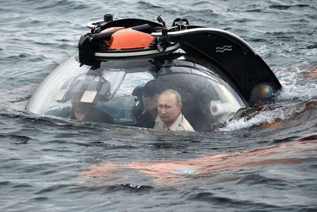 Nhung khoanh khac doi thuong cua Tong thong Nga Putin - Anh 4