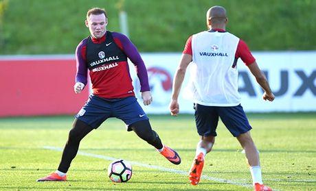 SOC: Hoc Messi, Rooney bi cao buoc tron thue - Anh 1