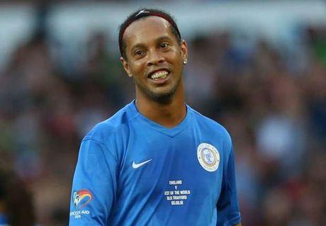 'Ronaldinho xuat sac hon Zidane, Pele va Maradona' - Anh 1