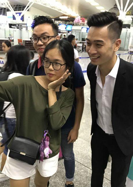 Slim V mang theo non la di trinh dien tai Asia Song Festival - Anh 3