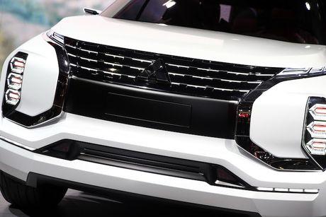 'Soi truoc' Mitsubishi Outlander 2018 qua GT-PHEV Concept - Anh 2