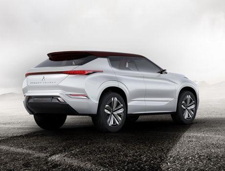 'Soi truoc' Mitsubishi Outlander 2018 qua GT-PHEV Concept - Anh 9