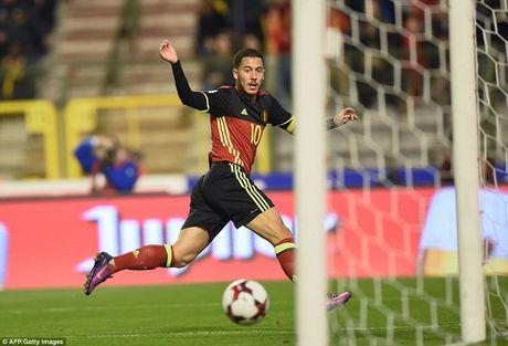 "Bi 4-0 Bosnia Herzegovina: Hazard, Lukaku giup Quy do Pha ""dop"" - Anh 1"