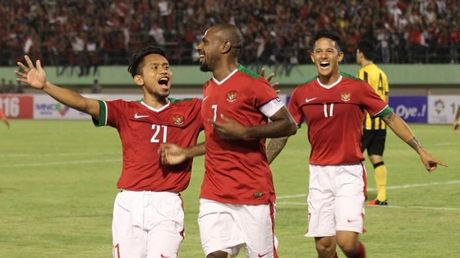 "HLV Alfried Rield trieu tap ""Messi Indonesia"" dau Huu Thang - Anh 1"
