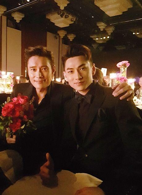 Isaac doat giai o Lien hoan phim Busan - Anh 2