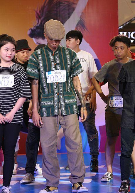 5 thi sinh mac do khong giong ai vao Ban ket 'Thu thach cung buoc nhay' - Anh 7