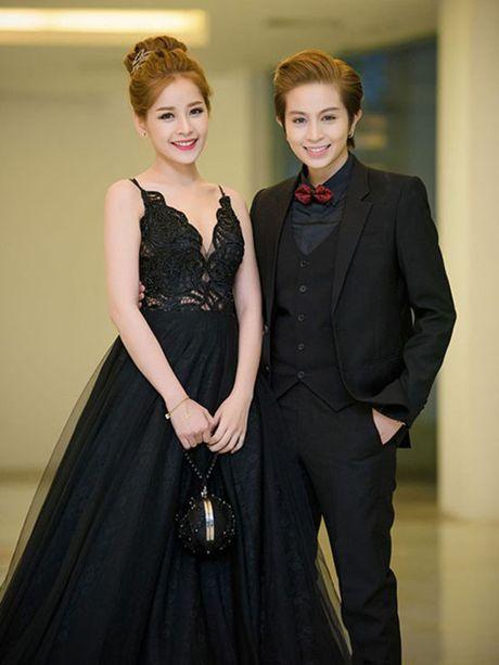 Chi Pu: Tu hotgirl 'keo ngot' den my nhan showbiz - Anh 10