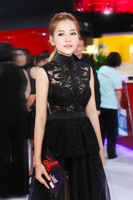 Chi Pu: Tu hotgirl 'keo ngot' den my nhan showbiz - Anh 12