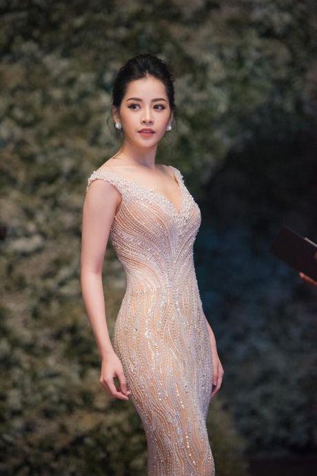 Chi Pu: Tu hotgirl 'keo ngot' den my nhan showbiz - Anh 15