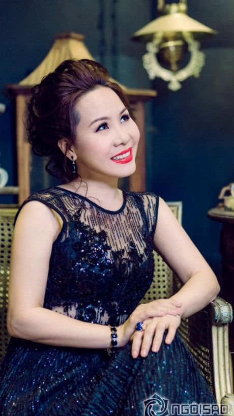 Bat mi bi mat trong ngon tay deo nhan cua Nu hoang Kim Chi - Anh 3