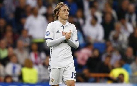 Real khong Modric: Sup do truoc derby Madrid? - Anh 1