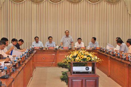 Thu tuong thi sat tinh hinh kinh doanh thuc pham tai TP.HCM - Anh 1