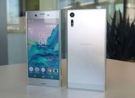 Thi truong smartphone Viet thang 10 tang nhiet cung hang chinh hang - Anh 3