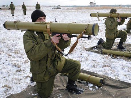 Ukraine tang ngan sach hien dai hoa quan su them 64% - Anh 1