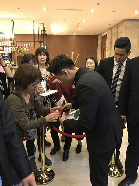 Isaac bat ngo nhan giai 'Ngoi sao moi' tai 'Asia Star Awards' - Anh 5