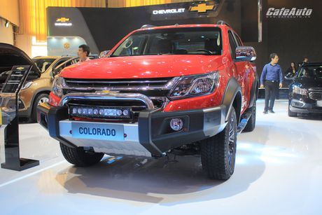 Chevrolet Colorado 2017 chot gia tu 619 trieu dong - Anh 2