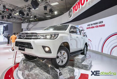 Can canh Toyota Hilux 2016 moi, nang cap dong co va hop so - Anh 1