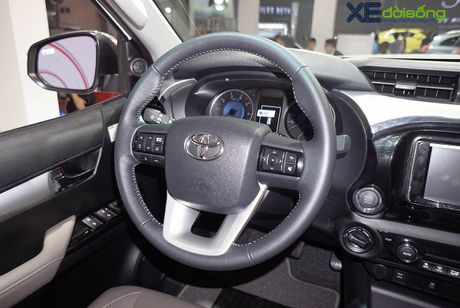 Can canh Toyota Hilux 2016 moi, nang cap dong co va hop so - Anh 8