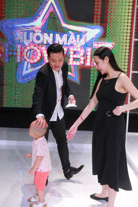 Vo va con trai den truong quay co vu cho Tuan Hung - Anh 1