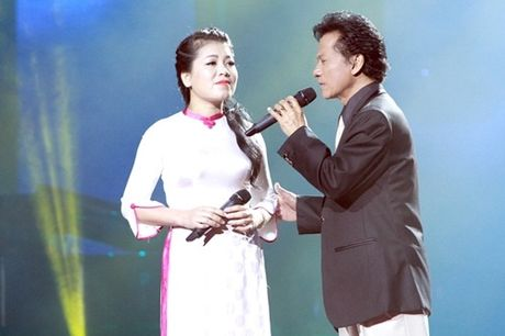Anh Tho tai hop Che Linh trong dem nhac Bolero vao 28/10 - Anh 2