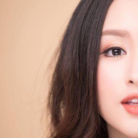 Ve dep 'dam say' cua co nang co khuon mat giong Van Hugo trong MV moi cua Rocker Nguyen - Anh 10