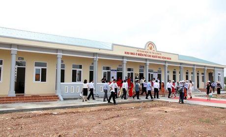 Quang Tri: Xay tang nha o mien phi cho nguoi nha benh nhan - Anh 1