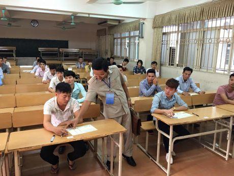 Rong ran xep hang cho thi tieng Han - Anh 8