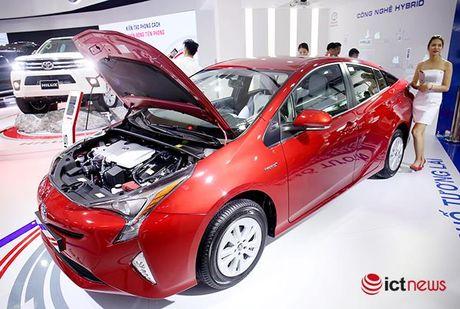 Toyota Prius 2016: chiec xe lai duy nhat tai Trien lam o to Viet Nam - Anh 2
