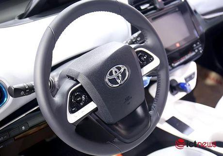 Toyota Prius 2016: chiec xe lai duy nhat tai Trien lam o to Viet Nam - Anh 6